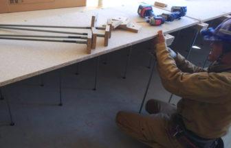 高等学校新築工事、置床・乾式二重床及びOAフロア施工