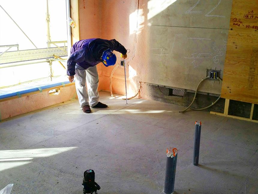 県営住宅置床・乾式二重床施工、際根太、点検口、フローリング施工