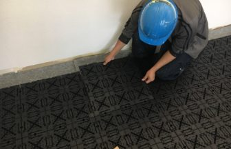 既存床改修フリーアクセスフロア施工