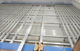 院内、組床式鋼製床下地工事
