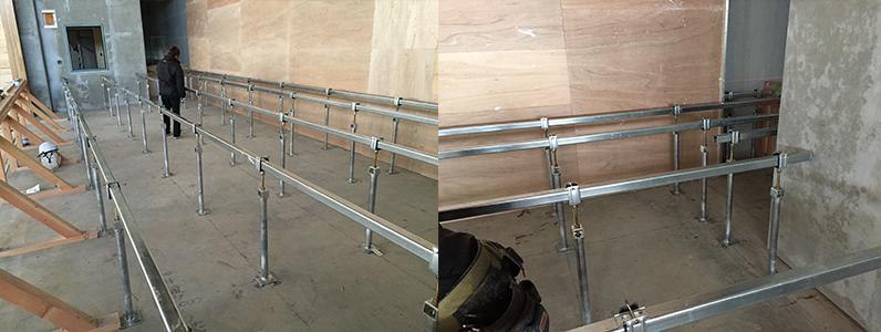 体育館床改修工事、組床式鋼製床下地ステージ大引き・ネダ施工