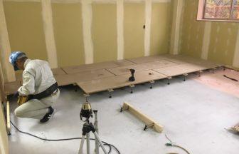 高等学校学生寮増築工事、置床・乾式二重床、ノダフローリング根太張り