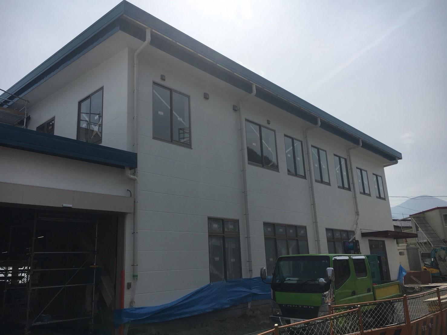 工場改修工事、OAフロアパネル、スロープ框設置工事