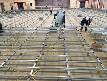 鋼製床下地フローリング施工