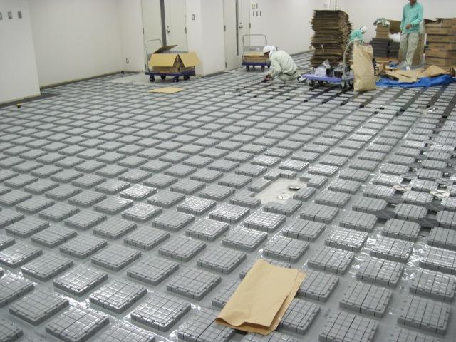 テナント既存床OAフロア設置及びタイルカーペット敷き工事