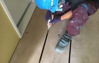 ホテル新築工事、置床・乾式二重床、パーティクルボード設置後、捨て貼り工事