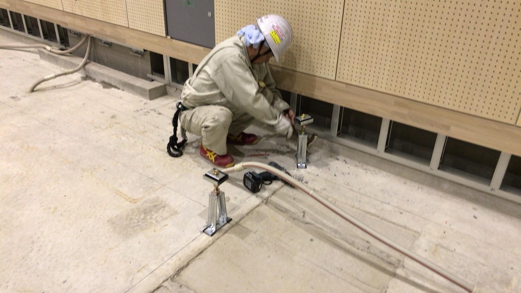 大学キャンパス内体育館新設工事に伴う鋼製床下地及びスポーツフロア施工