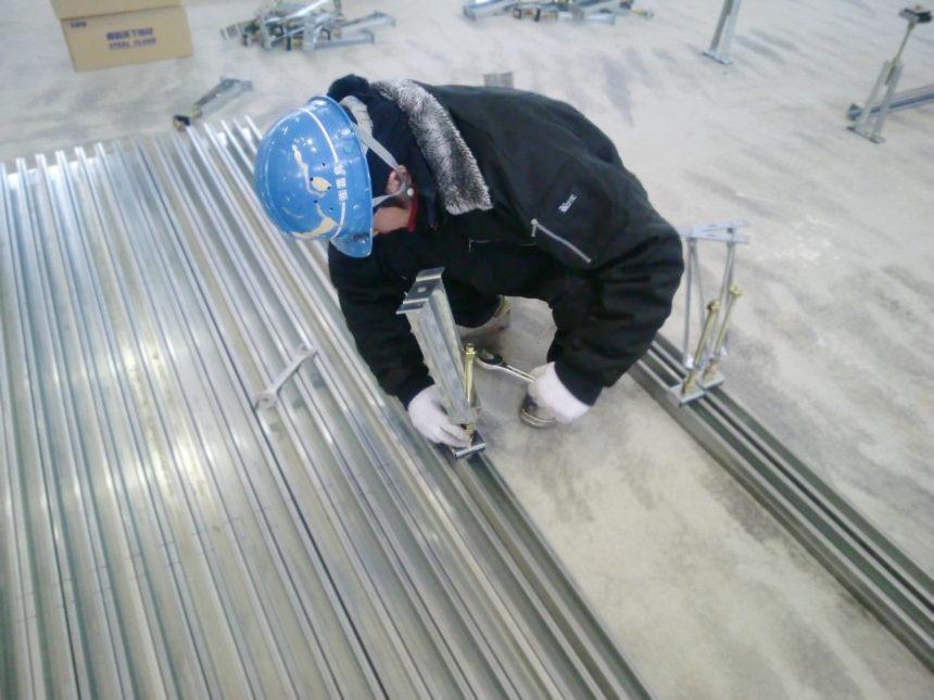 鋼製床下地工事